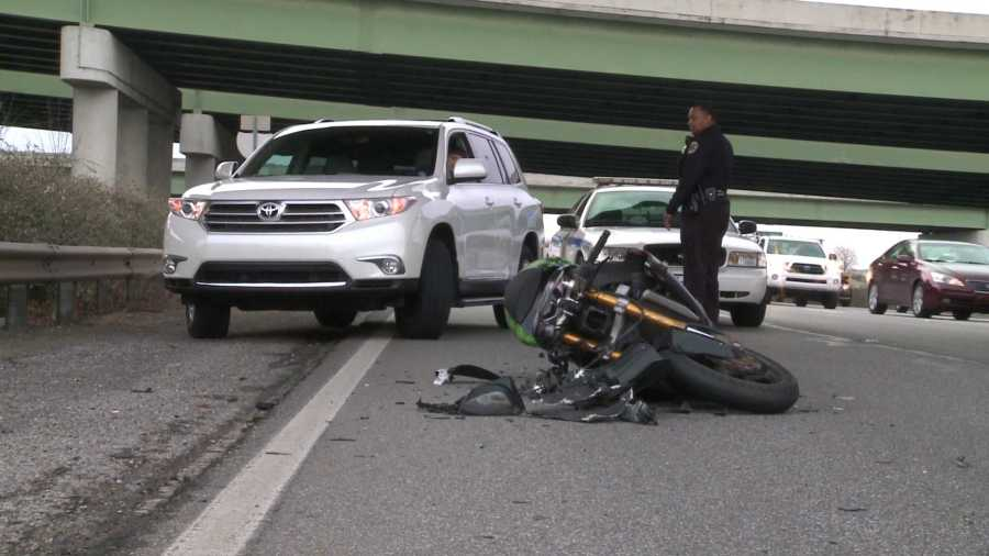 Motorcycle Wreck Causes Morning Traffic Delays On Memorial Parkway Whnt Com