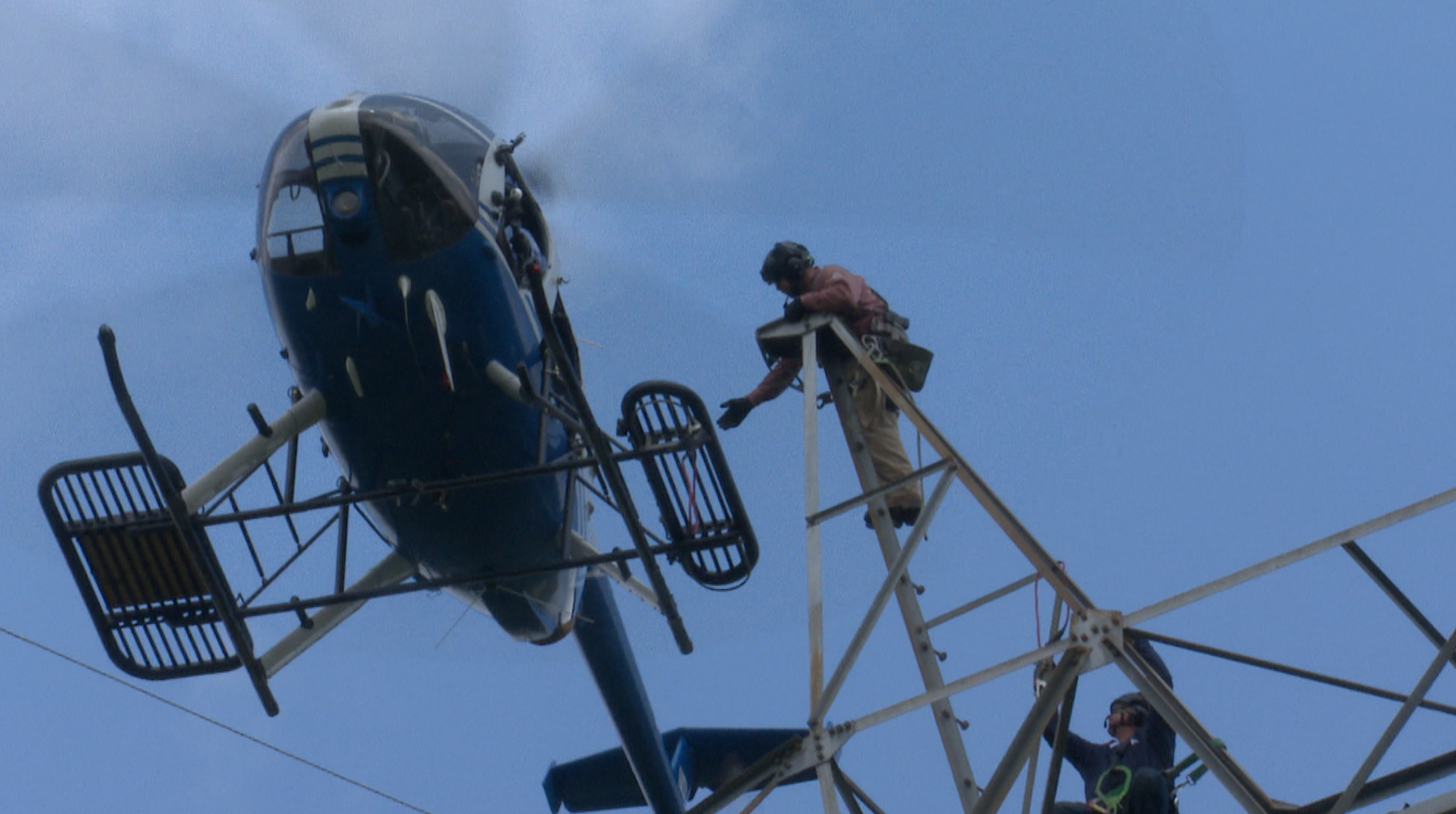Tva Using Helicopters For High Voltage Line Repairs Whnt Com