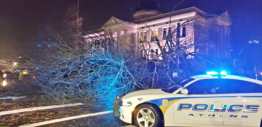 YOUR PHOTOS: Storm damage and flooding around the Tennessee Valley