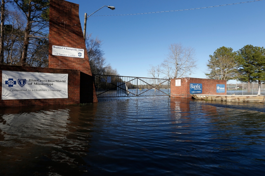 Pearl River flooding: Mississippi governor declares emergency as water rises in Jackson