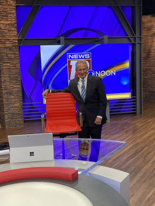 Take a look at the new News 19 set