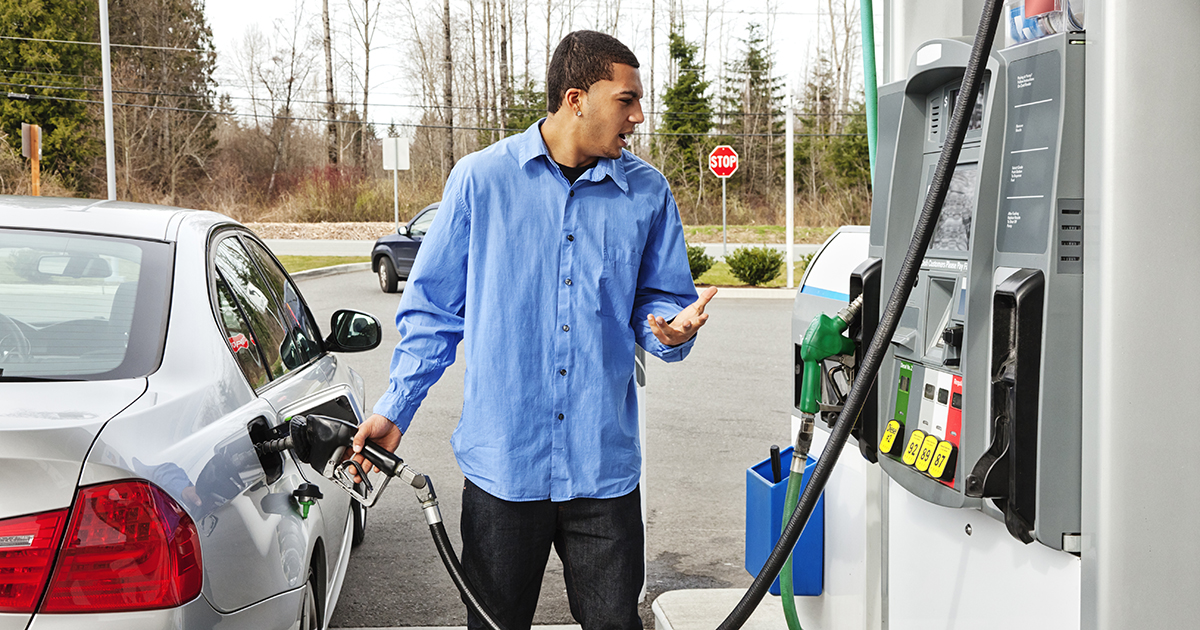 Gas prices edge closer to  a gallon, hit highest level since pandemic began