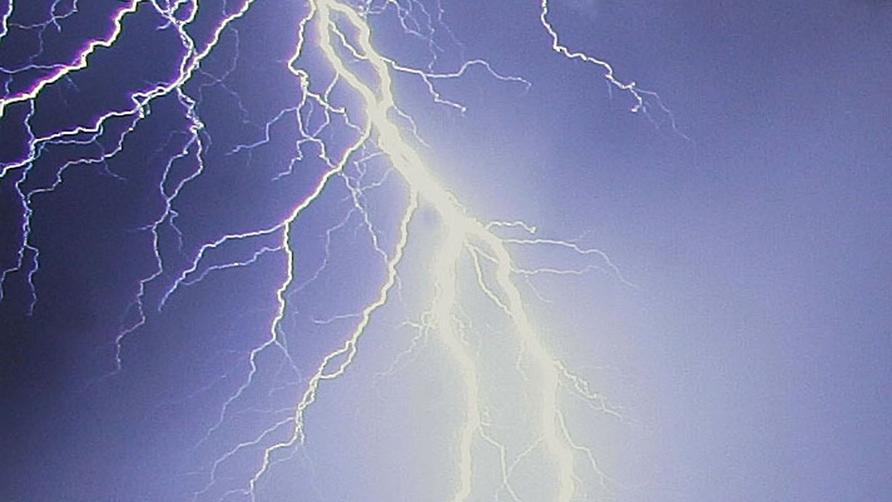 Tennessee man suffers shock through video game controller after lightning strike